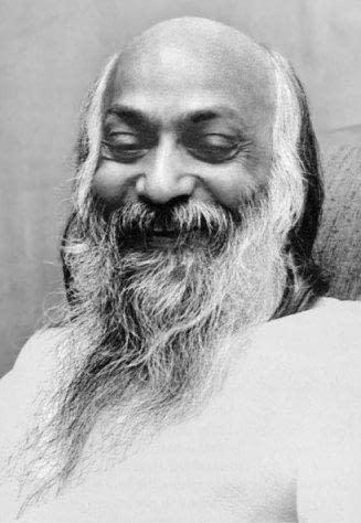 Bhagwan Shri Rajneesh black white foto