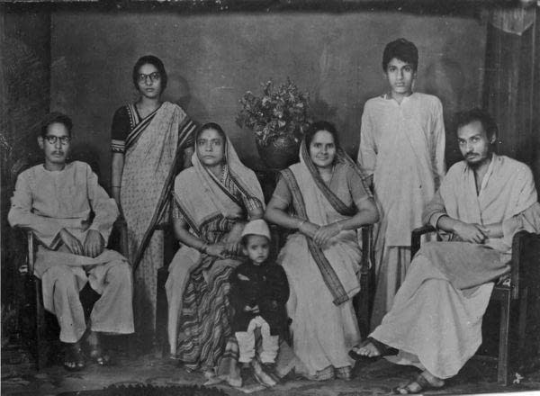 Osho with his Family old picture